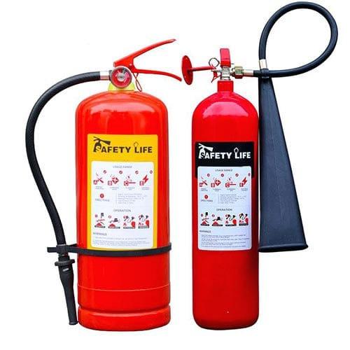 شارژ کردن خاموش کننده آتش