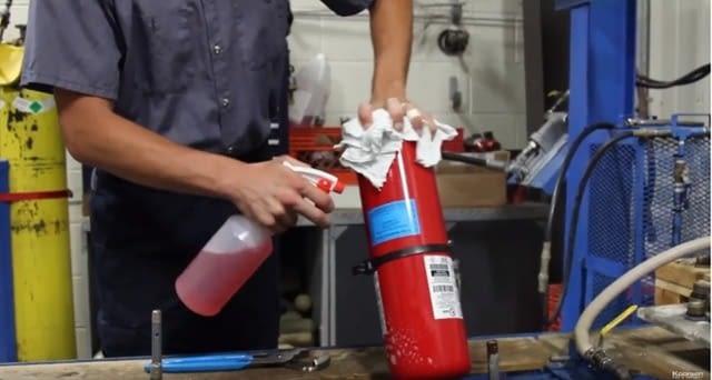 نحوه پر کردن مجدد کپسول آتش نشانی